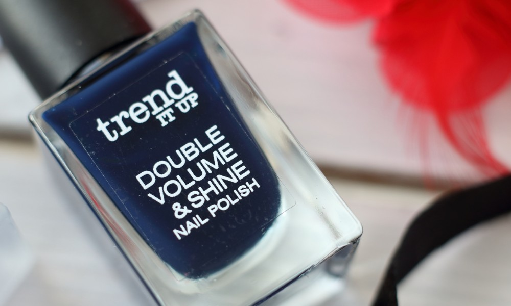 Trend it up Double Volume and Shine Nailpolish Nagellack dunkelblau