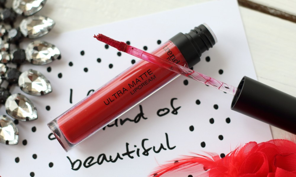 Trend it up Ultra Matte Lipcream rot