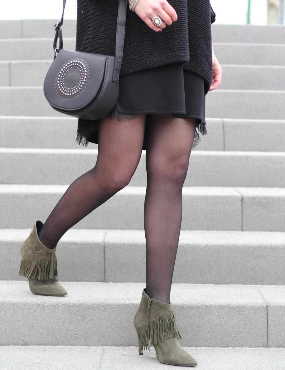 Outfit Stiefeletten Fransen Sacha Kleid Mango Sweater Noisy May Bakermütze 1 (12)