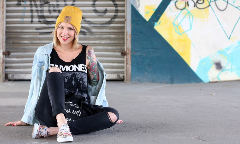 Fahionblogger Outfit Vans Disney Jeansjacke Beanie Fuchs Weebit (11)