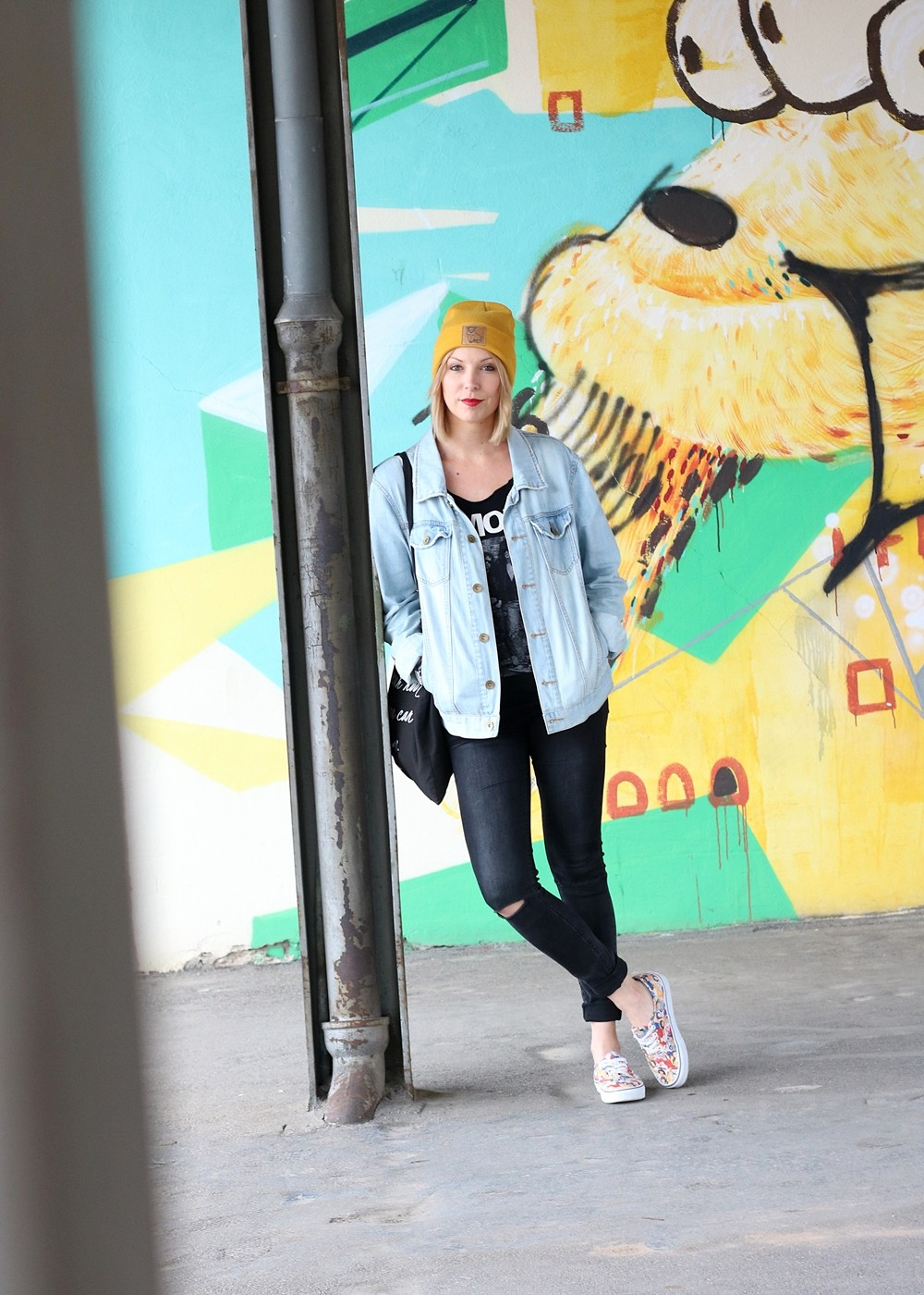 Fahionblogger Outfit Vans Disney Jeansjacke Beanie Fuchs Weebit (14)