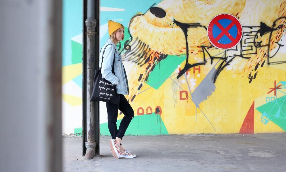 Fahionblogger Outfit Vans Disney Jeansjacke Beanie Fuchs Weebit (15)