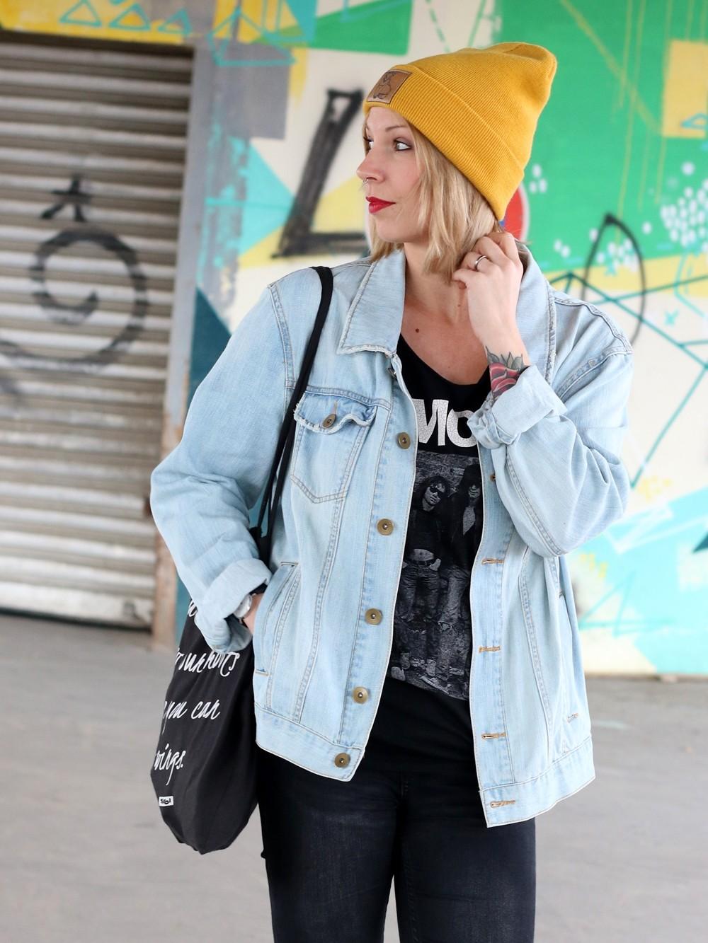 Fahionblogger Outfit Vans Disney Jeansjacke Beanie Fuchs Weebit (4)