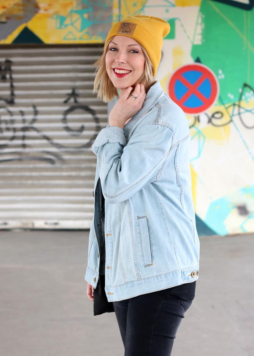 Fahionblogger Outfit Vans Disney Jeansjacke Beanie Fuchs Weebit (5)