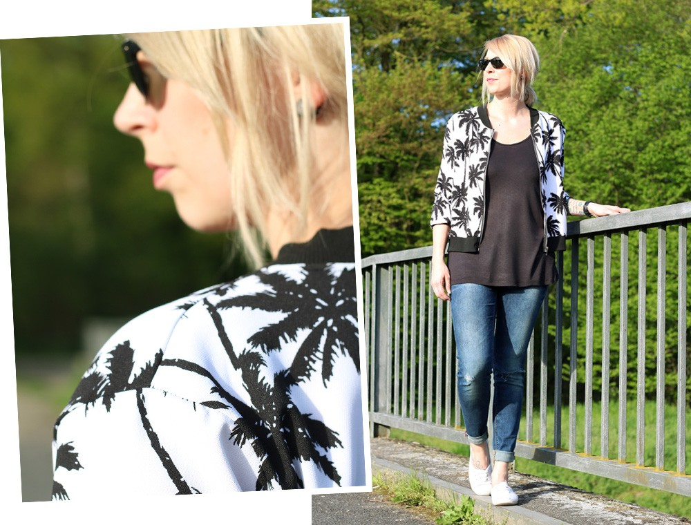 Fashionblogger Outfit Blousonjacke Palmen Jeans Sneaker Ray Ban New Wayfarer (17)