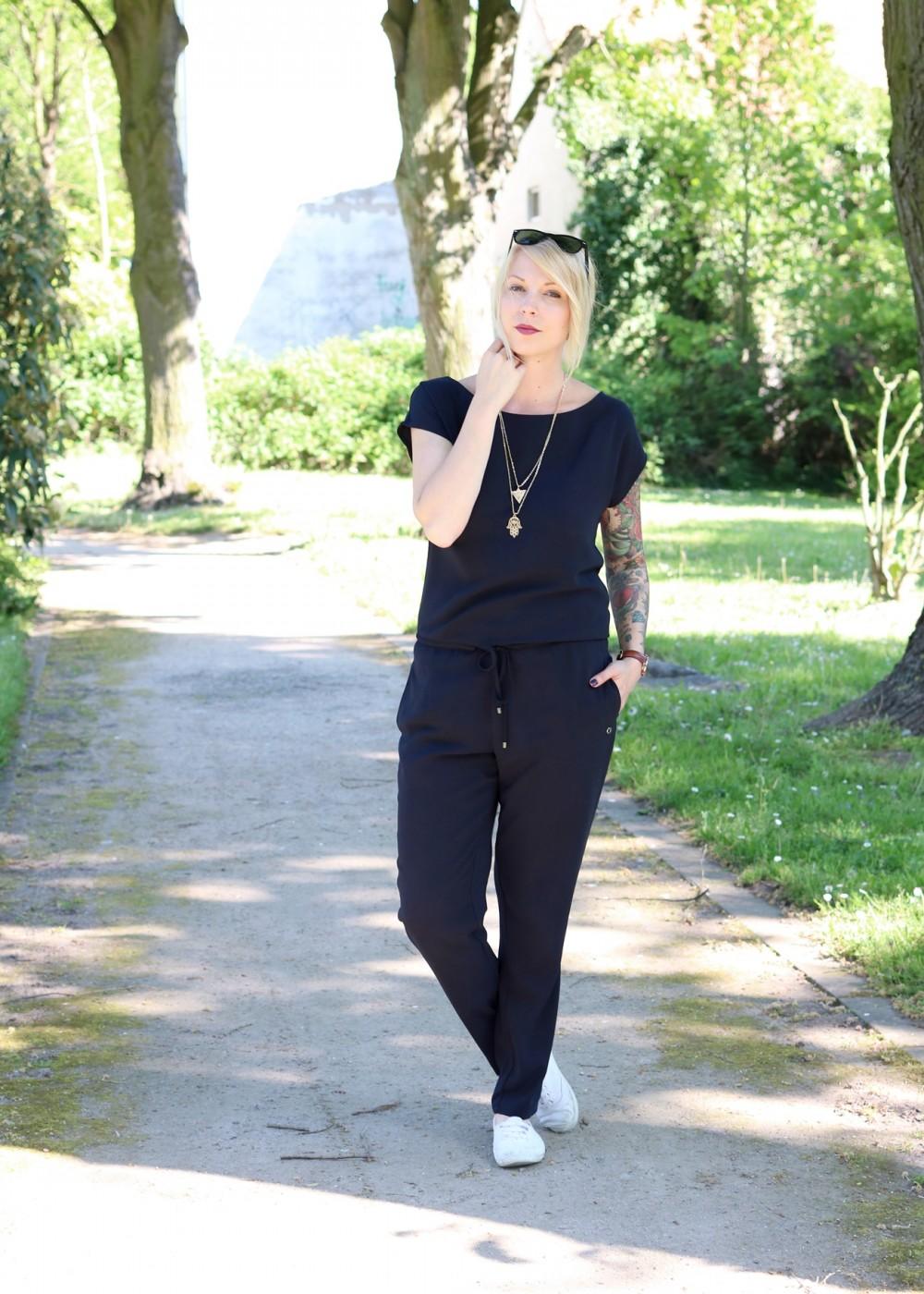Fashionbloggerin Karlsruhe Outfit Jumpsuit Aldi Jette Joop Daniel Wellington Dapper (1)