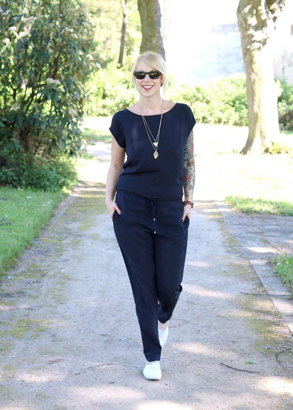 Fashionbloggerin Karlsruhe Outfit Jumpsuit Aldi Jette Joop Daniel Wellington Dapper (2)