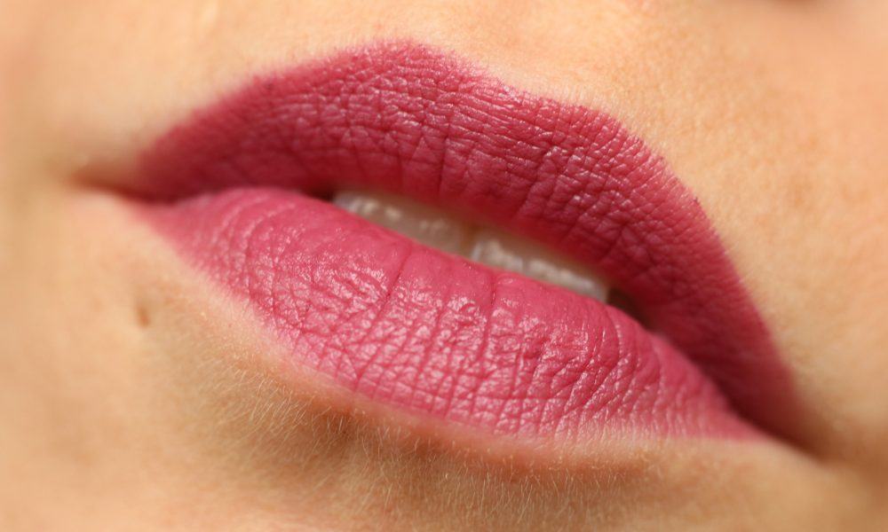 Astor Perfect Stay Fabulous Lippenstift Swatch 301 For Fun