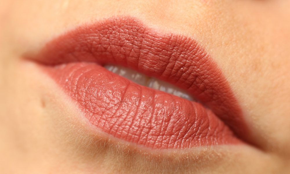 Astor Perfect Stay Fabulous Lippenstift Swatch 703 Fantastic