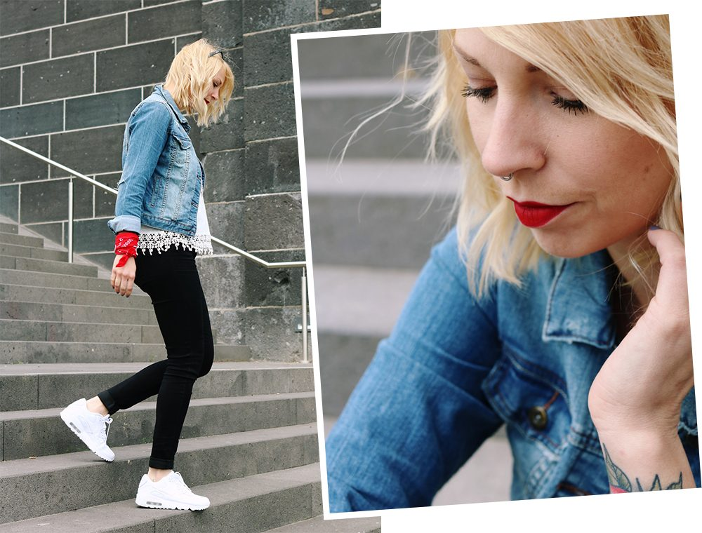 Fashinblogger Frankfurt Outfit Sneaker Jeansjacke Spitzentop (14)