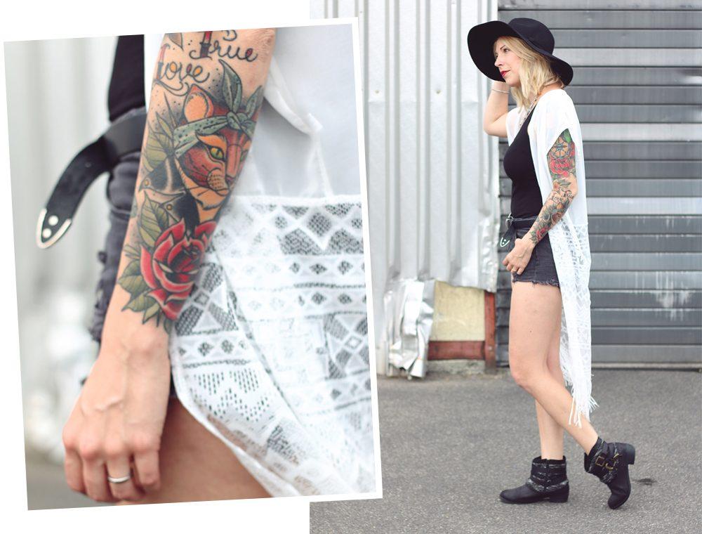 Fashionblogger Outfit Festival Kimono Boots High Waist Shorts Hut Schwarz Weiss (15)