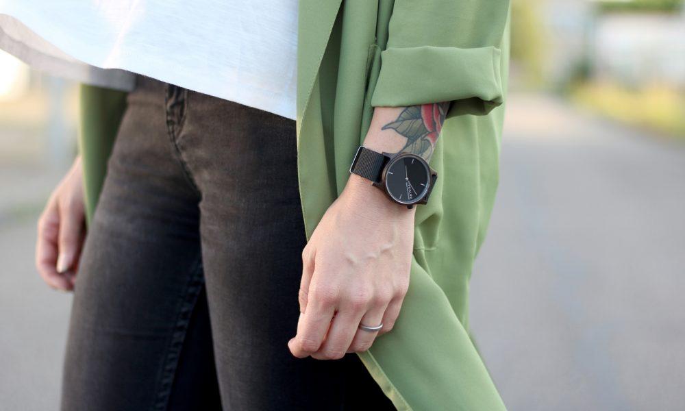 Fashionbloggerin Karlsruhe Outfit Parka Nike Air Max Sonnenbrille (10)