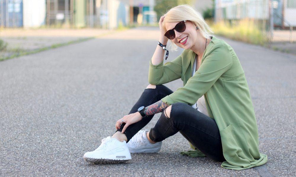Fashionbloggerin Karlsruhe Outfit Parka Nike Air Max Sonnenbrille (15)
