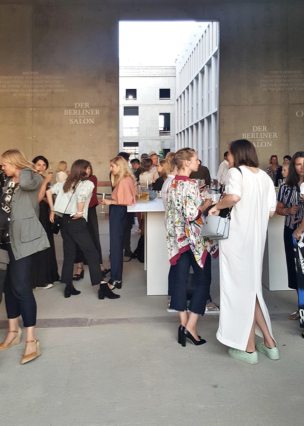 Berliner Modesalon Fashionshow Odeeh Fashionweek Berlin Juli 2016