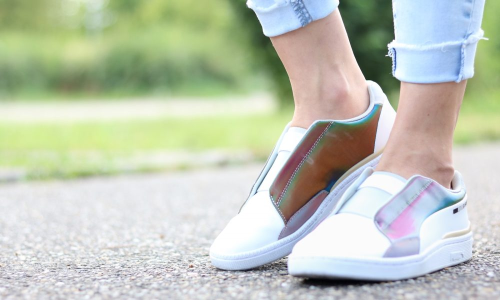 Fashionbloggerin Karlsruhe Outfit rosa Blousonjacke Puma Sneaker Jeans Cluse Uhr (20)