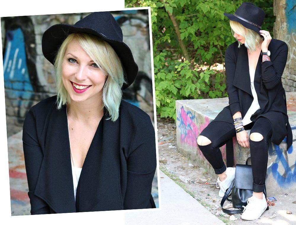 Lost Places Berlin Fashionblogger Outfit Jeans weisse Sneaker Deichmann schwarzer Mantel (24)