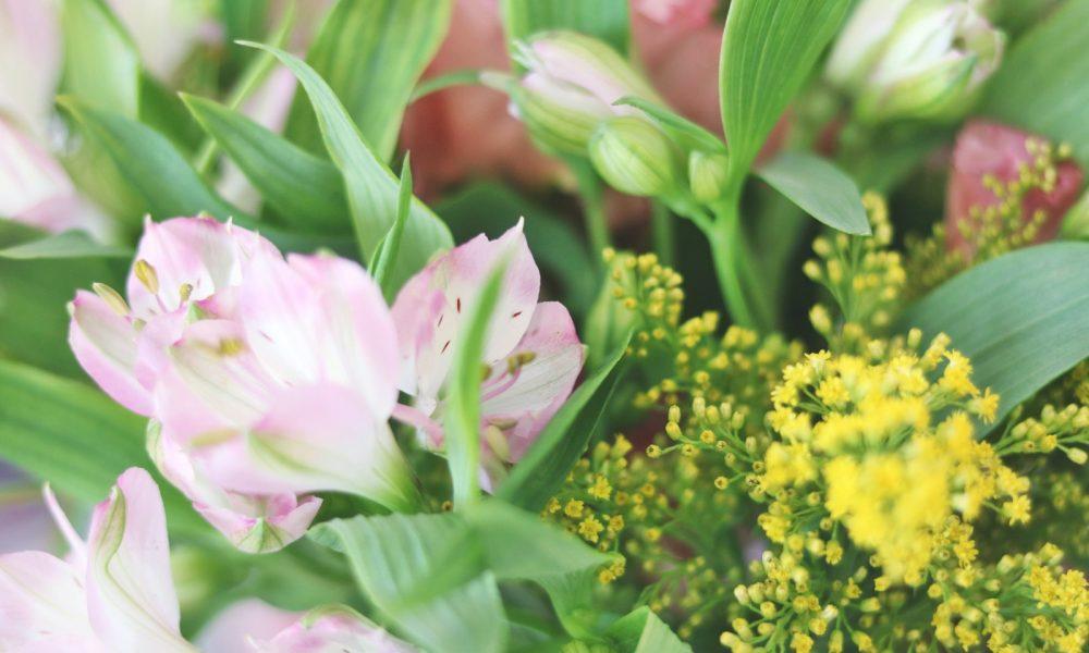 blumenstrauss-bloomy-days-goldregen-inkalilie-7
