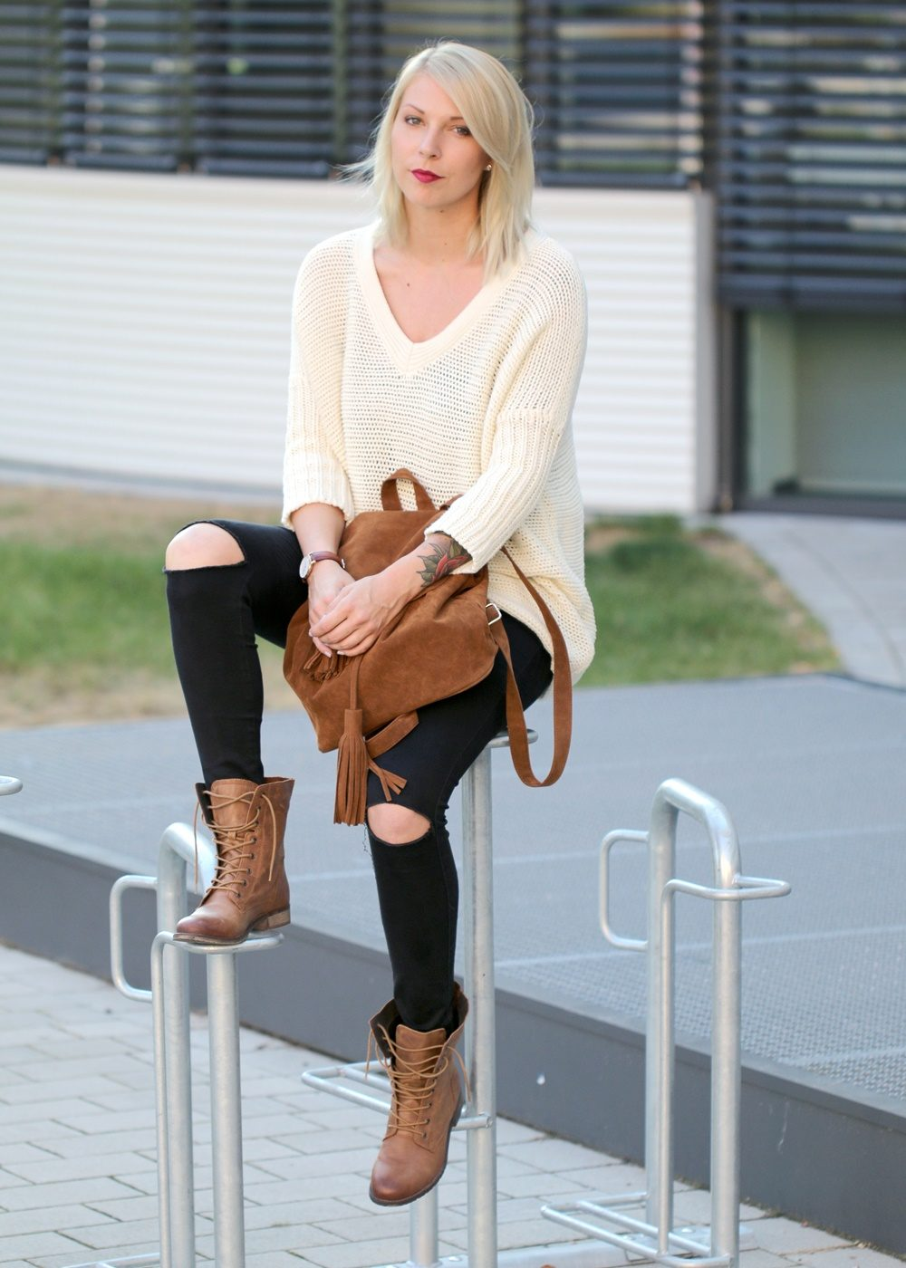 fashionbloggerin-karlsruhe-outfit-braune-schnuerboots-zign-strickpullover-noisy-may-fransenrucksack-just-fab-7