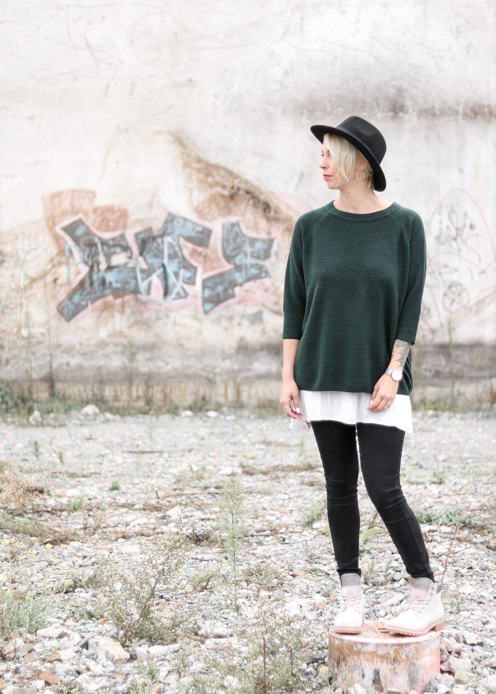 outfit-roland-schnuerstiefel-tamaris-rose-strickpullover-vero-moda-khaki-hut-jeans-3