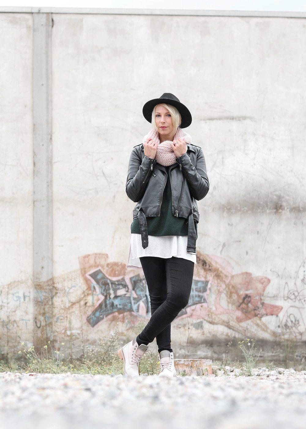 outfit-roland-schnuerstiefel-tamaris-rose-strickpullover-vero-moda-khaki-hut-jeans-9