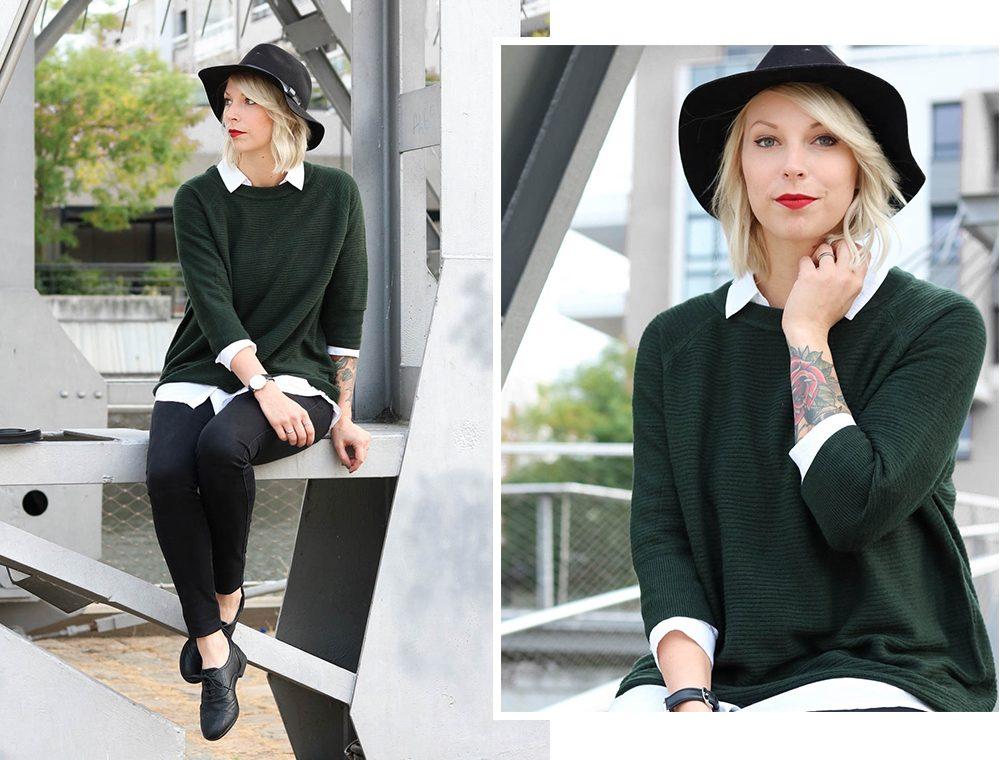 outfit-gruener-strickpullover-weisse-bluse-schwarze-jeans-4