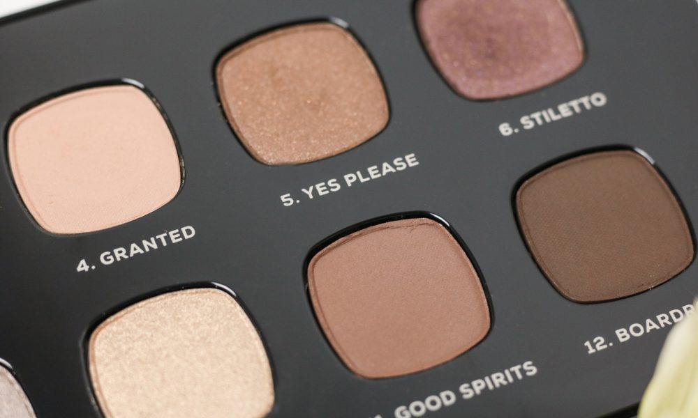 bareminerals-lidschattenpalette-the-wish-list-weihnachten-16