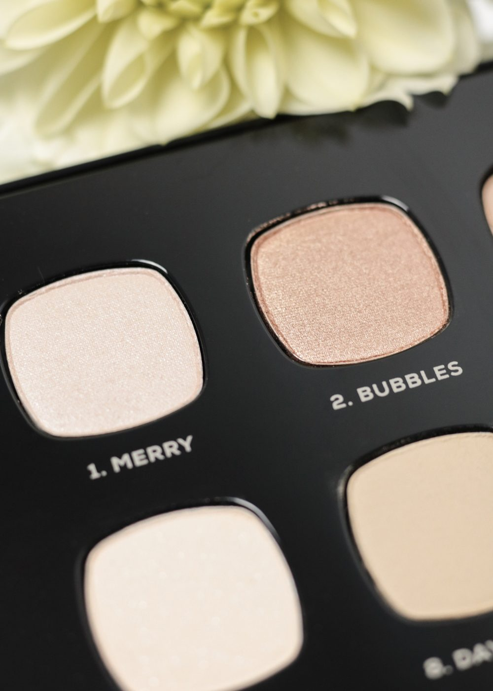 bareminerals-lidschattenpalette-the-wish-list-weihnachten-6