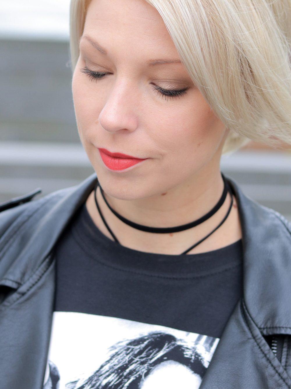fashionblogger-heidelberg-outfit-shirt-snape-jeansshorts-chucks-lederjacke-15-von-15