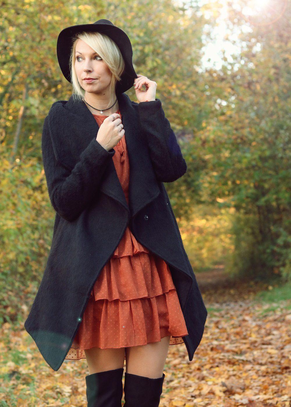 modeblogger-karlsruhe-outfit-herbst-kleid-vero-moda-rostrot-schwarzer-mantel-overknees-12-von-27