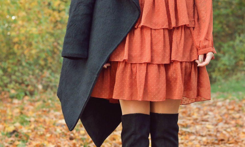 modeblogger-karlsruhe-outfit-herbst-kleid-vero-moda-rostrot-schwarzer-mantel-overknees-19-von-27