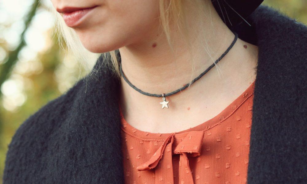 modeblogger-karlsruhe-outfit-herbst-kleid-vero-moda-rostrot-schwarzer-mantel-overknees-26-von-27