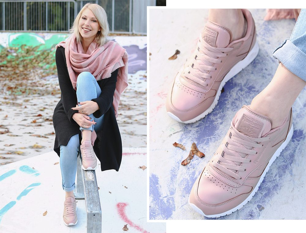 modeblogger-karlsruhe-outfit-herbst-skinnyjeans-rosa-schal-strickcardigan-reebok-classics-pearlized-metallic-1