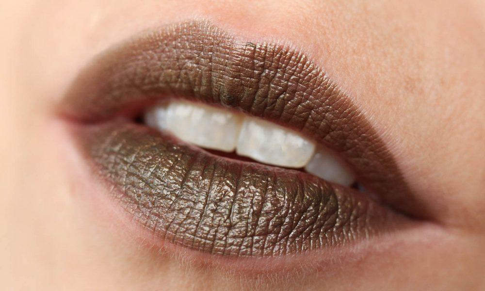 nyx-wicked-lippie-lippenstift-lipstick-wil-30-trickery-supercherie-swatch-2