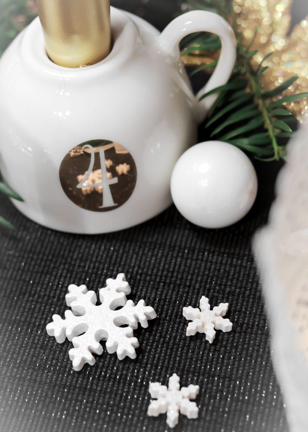 ediths-weihnachten-tischdekoration-advent-schwarzes-besteck-teller-gold-sterne-13