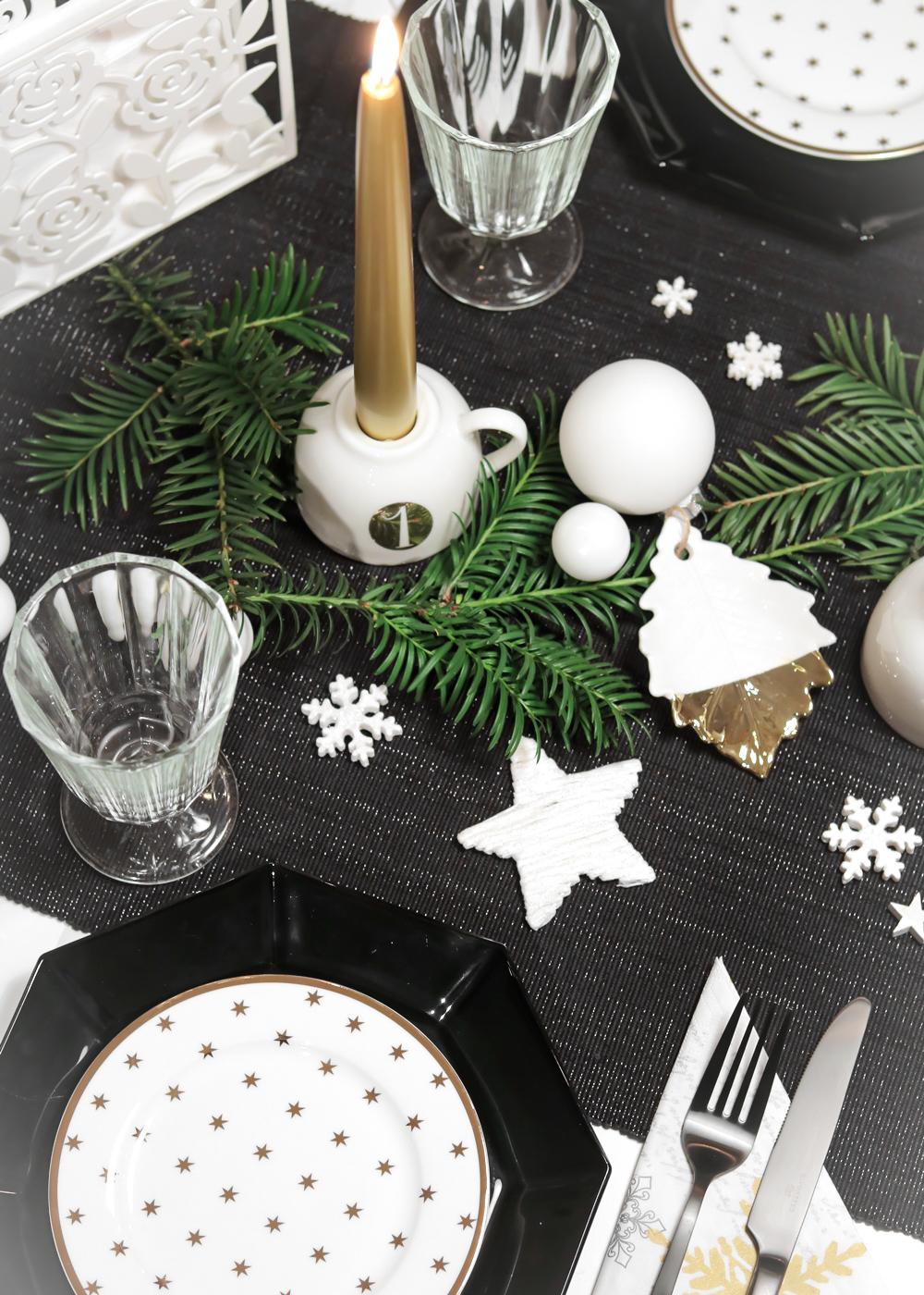 Ediths Weihnachten Tischdekoration Advent Schwarzes Besteck Teller Gold Sterne 5 Lavie Deboite