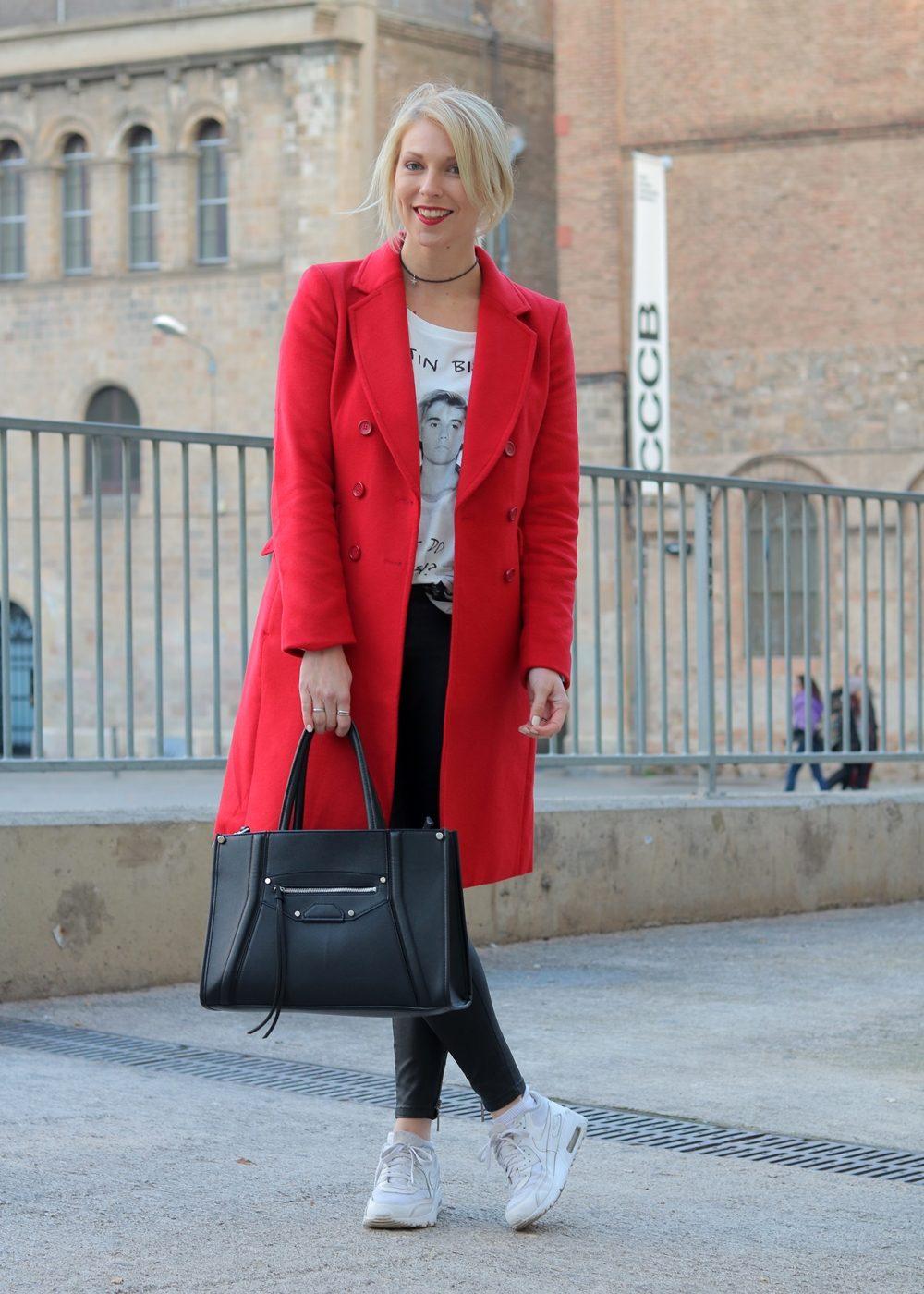 Mantel rot kombinieren
