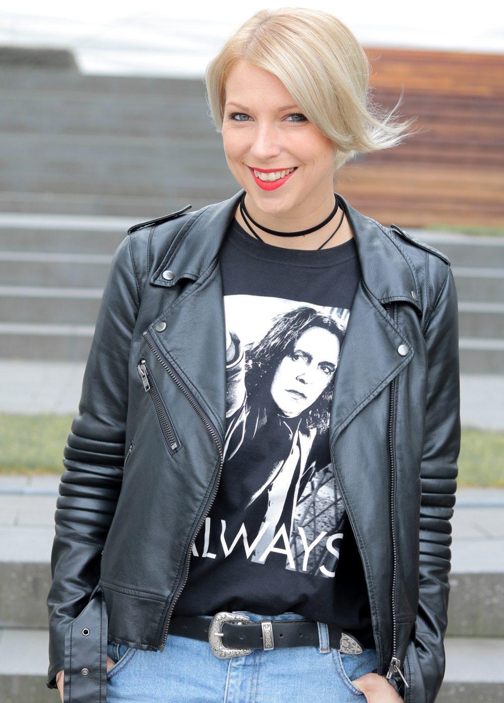 fashionblogger-heidelberg-outfit-shirt-snape-jeansshorts-chucks-lederjacke-8-von-15
