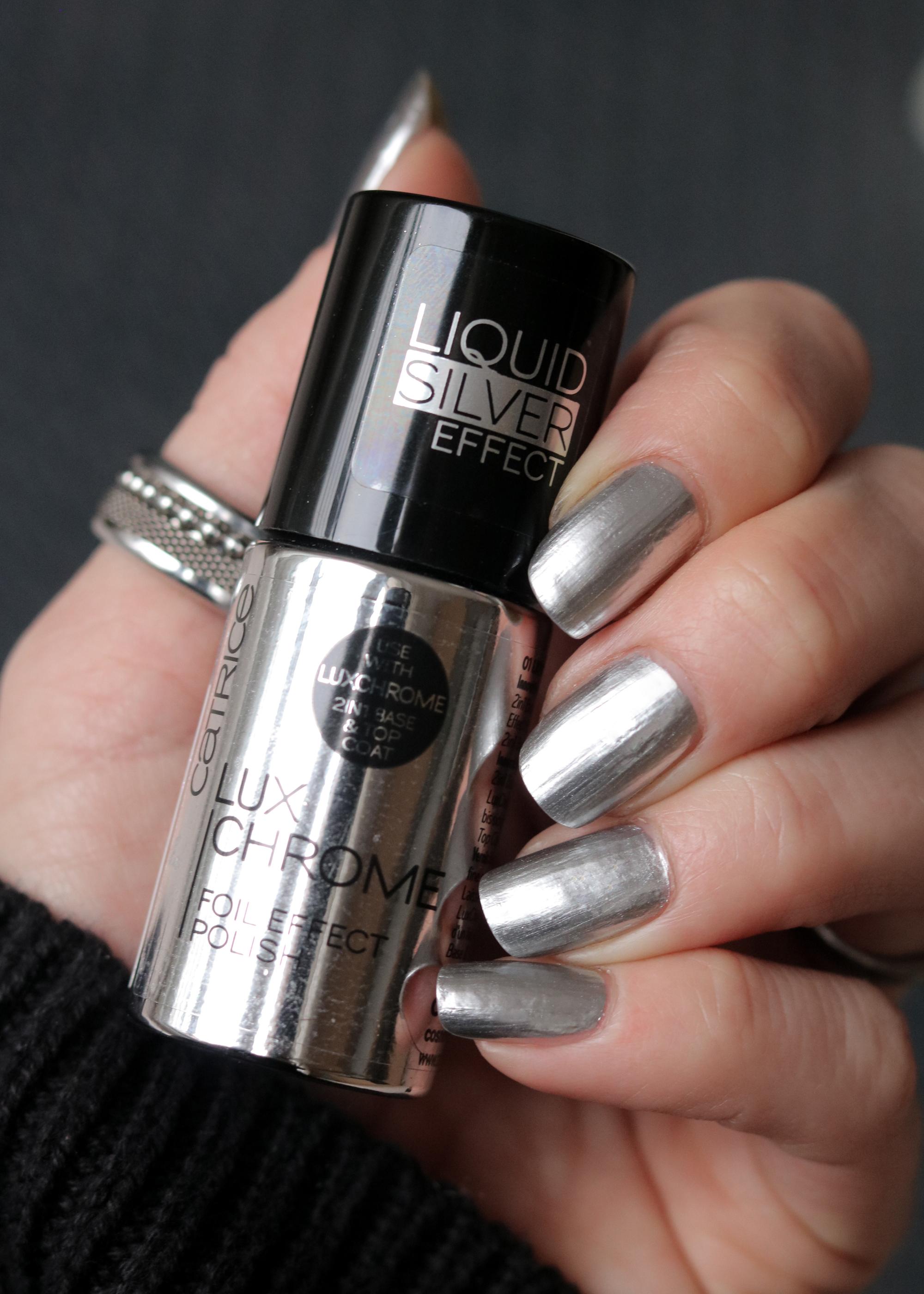 Catrice Neuheiten 2018 Lux Chrome Nagellack Metallic Silber Swatch - Lavie Deboite